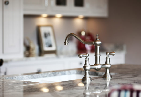 DOF Traditional Kitchen Tap