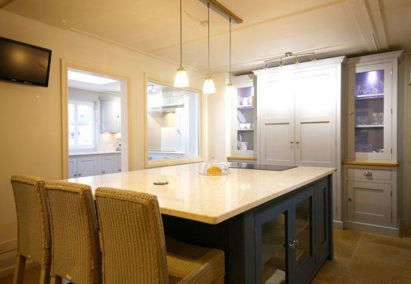 Full Kitchen 10