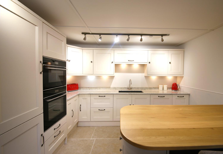 Full Kitchen 14