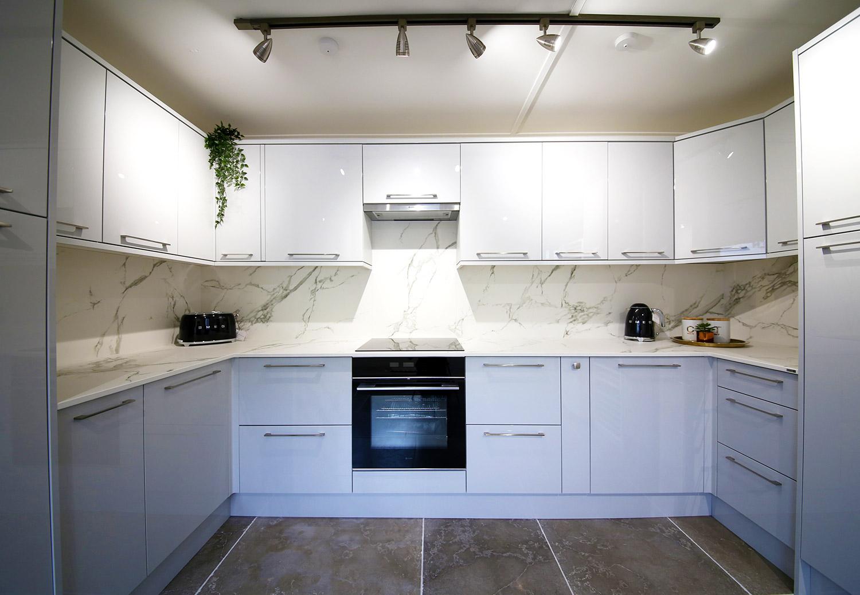 Full Kitchen 7